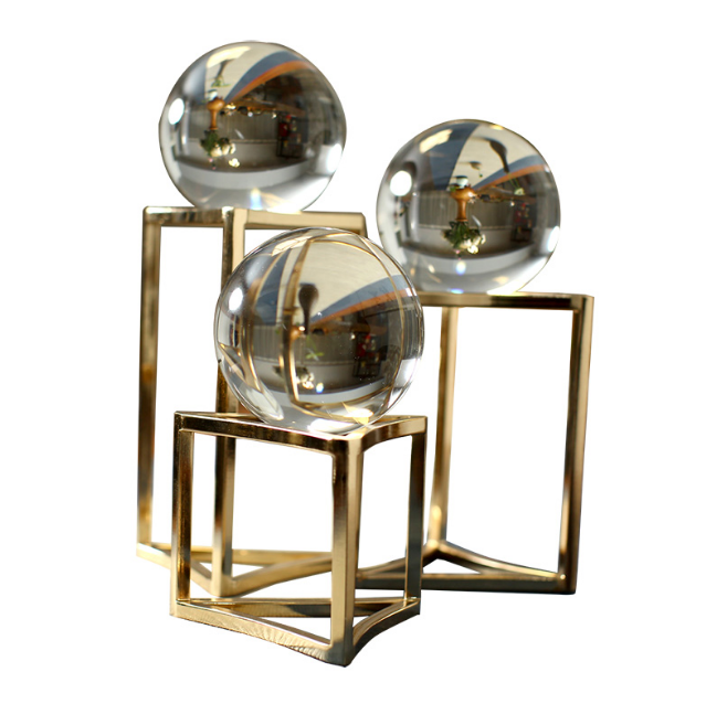 High Quality Exquisite Creative Crystal Ball Miniatures Home Office Coffee Table Decorations Accessories Souvenirs Gifts LFB578