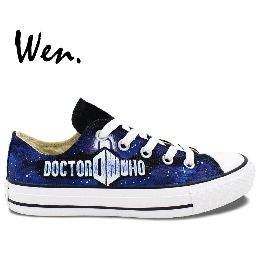 Prix pour Wen Custom Design Peint À La Main Chaussures Low Top Bleu de Médecin Qui Logo Femme Homme Toile Sneakers pour Cadeaux