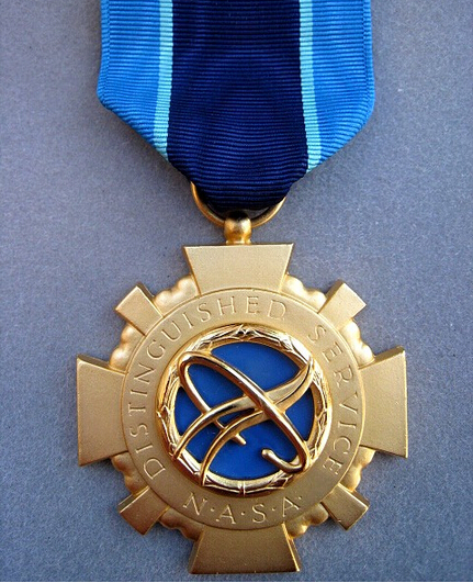 High quality custom medals US ASTRONAUT NASA DISTINGUISHED SERVICE GALLANTRY MEDAL low price custom made gold souvenir medal