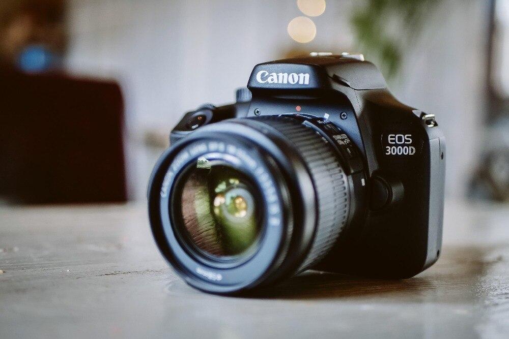 Canon EOS 3000D 18.0 MP boîtier d'appareil photo reflex numérique avec objectif 18-55mm F/3.5-5.6