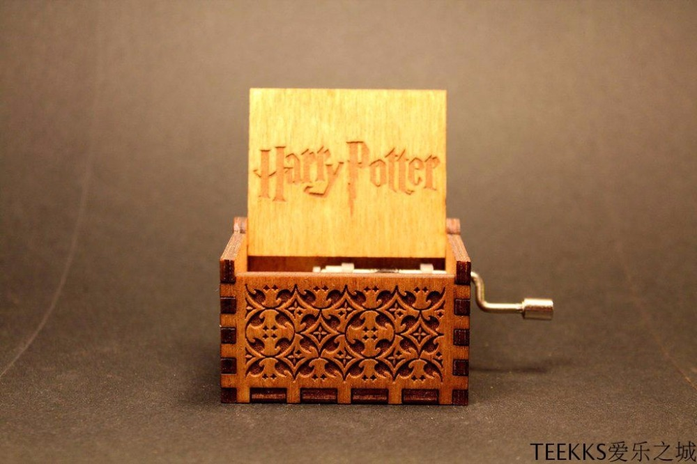 Harry Xmas Gifts Game of Thrones Star Wars Harri Potter Merry Christmas Theme Handmade Engraved Wooden Music Box Crafts Cosplay
