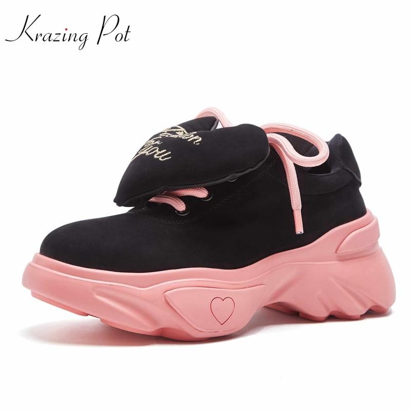 Krazing Pot 2019 vache daim marque chaussures à lacets garder au chaud bout rond sneaker amour décoration cales plate-forme chaussures vulcanisées L08