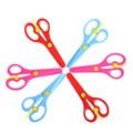 3 шт./лот милые цветные безопасные пластиковые ножницы ручной работы для детского сада обучающие игрушки для детей вспомогательные материа...