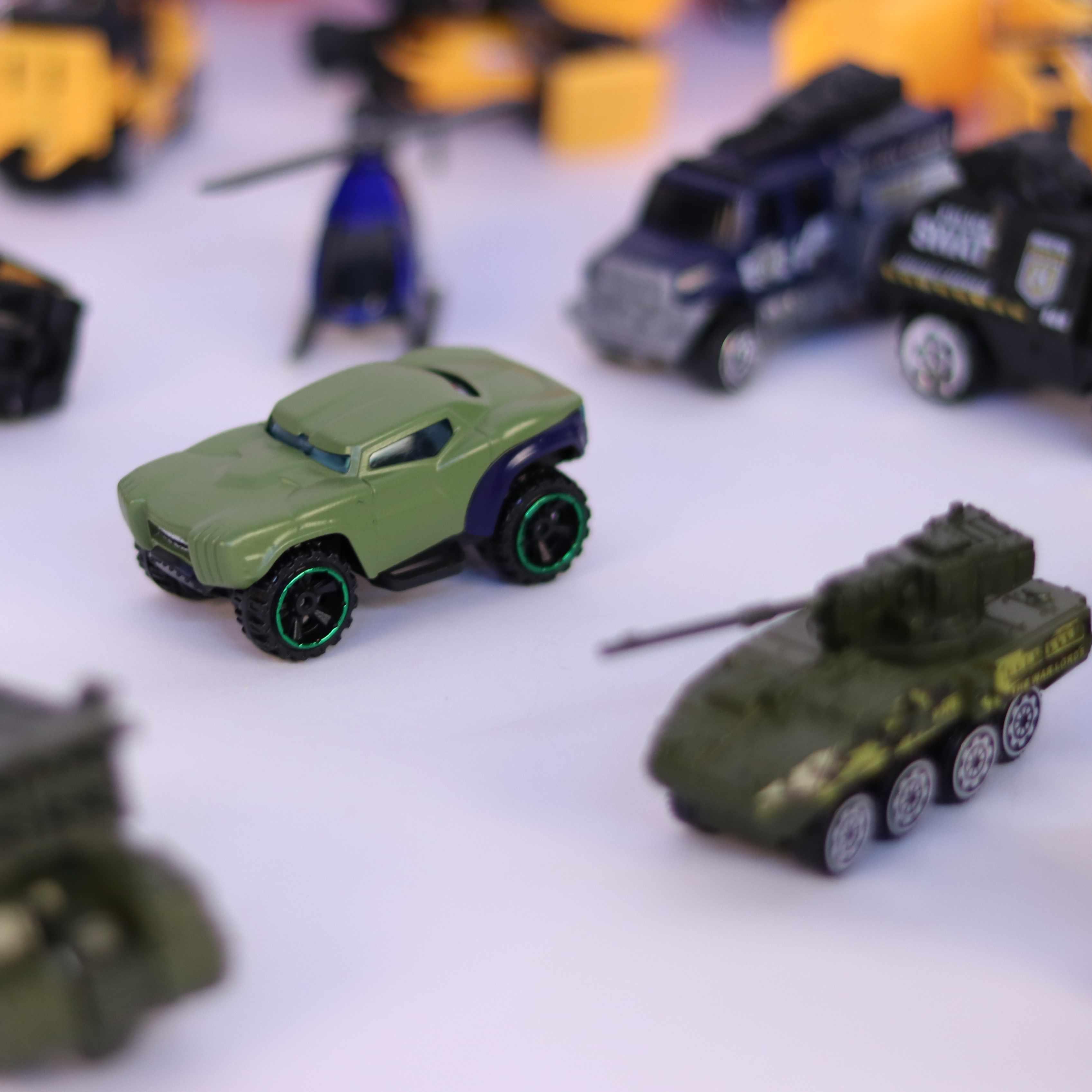 Metal Toy Tractors >> Diecast Farm Toys