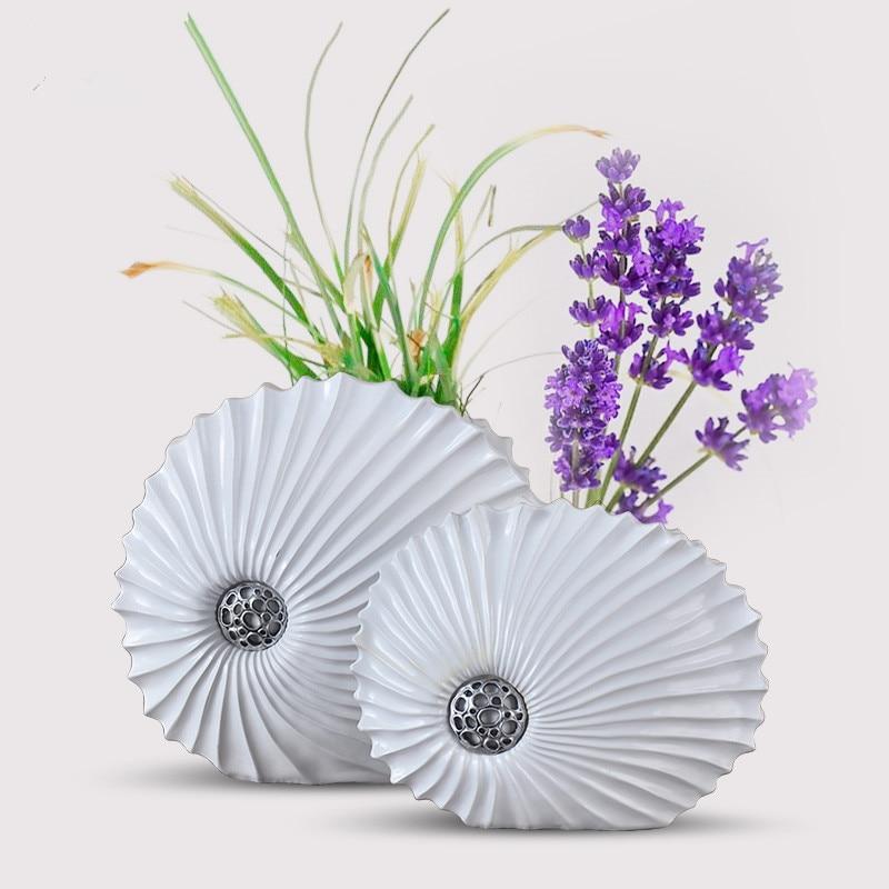Resin Decorative Desktop Vases Creative Shell Shaped White Flower