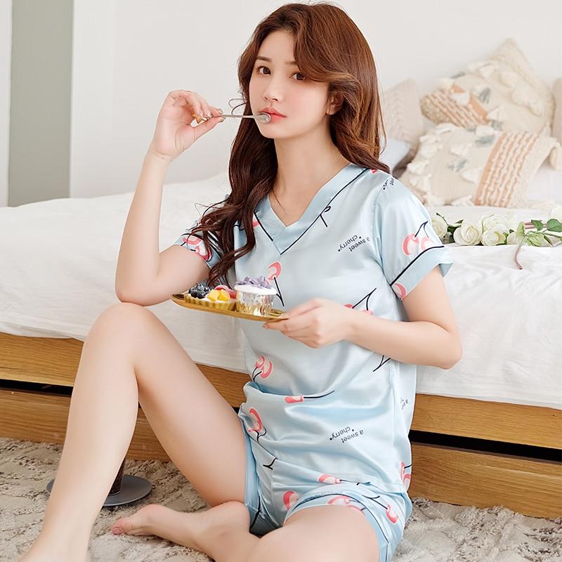 Women Sleepwear 2019 Summer Pajamas V-neck Silk Print Sweet Women Sleepwear Set Girl Nightgown Short Pant Cute Silk Pajamas Sets