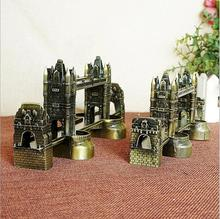 World Great Architecture Model London Tower Bridge UK Tourist Souvenirs Metal Crafts Model Bookcase Display Home Decor