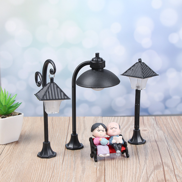 1PC Resin  Bonsai Ornament Street Lamp Figurine Streetlight Miniatures  Road Light Model Craft Home Decor Micro Landscape 4