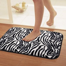 Avanzada antideslizante esteras felpudo dormitorio alfombra Negro y blanco rayas de la cebra de la felpa suave alfombra de baño