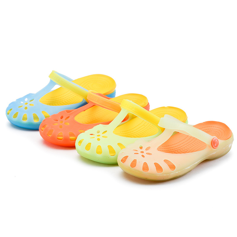 2017 Summer New Gradually Color Girls Mules And Clogs Garden Shoes Soft Bottom Baby font b