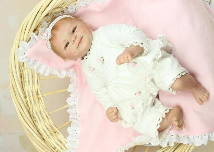 Nouveau 40 cm belle Silicone Reborn bébé poupée jouet anniversaire cadeau de noël pour enfant enfant fille Brinquedos corps doux bébé Reborn-in Poupées from Jeux et loisirs    2