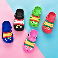 Kids hole slippers in antiskid EVA with animal design toddler sandals for summer indoor or beach shoes(China)