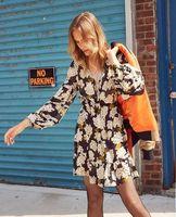 Women Dress 2019 Spring and Summer V neck Vintage Lantern Sleeve Silk Dress