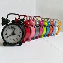 c13a50d9845 Mini Relógio Despertador Eletrônico Número Redondo Quartzo Digital de Duplo  Sino Mesa secretária Relógio Home Decor Retro Bonito.