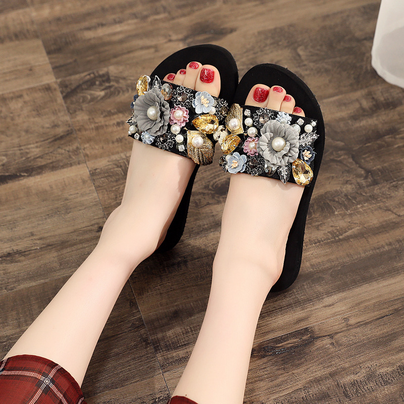 Pearl flower slippers female summer fashion thick bottom drag anti skid beach shoes womens word drag seaside cool slippers in Slippers from Shoes