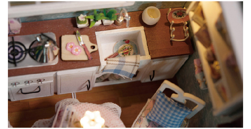 DIY Wooden Doll House Toy Dollhouse Miniature Assemble Kit With LED Furnitures Handcraft Miniature Dollhouse Happy Kitchen Model (7)