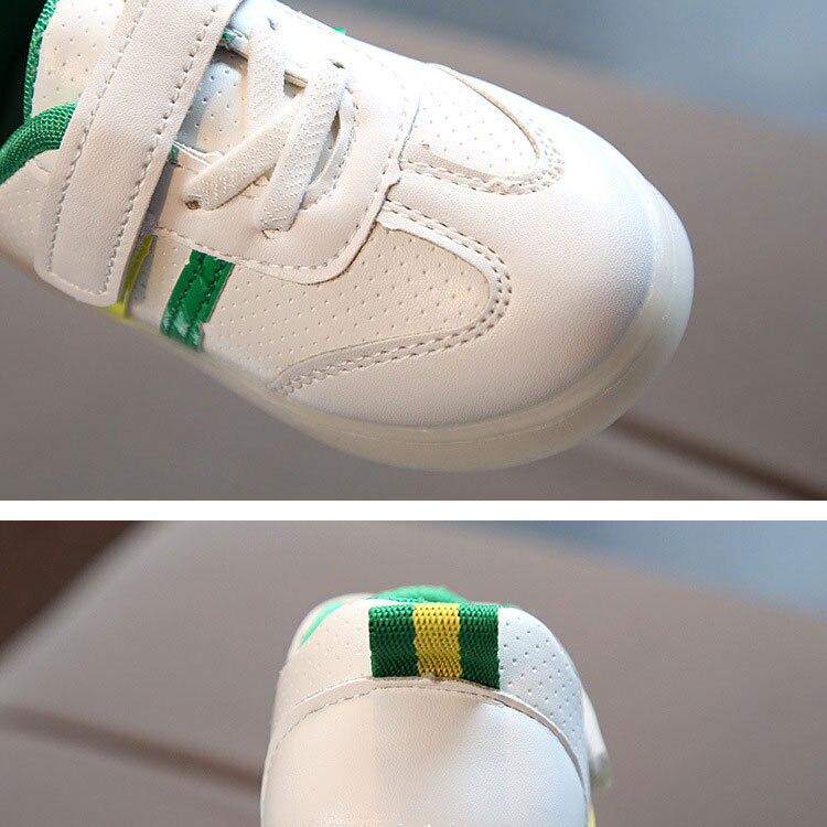 children-glowing-sneakers-1_06