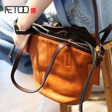 AETOO Original Artistic Retro Belt Buckle Large Capacity Handmade Leather Handbags Head Layer Creams