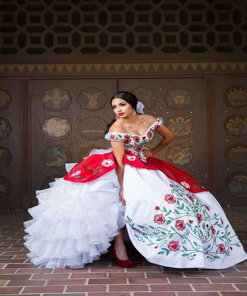 99f5897e372a 2017 White Red Embroidery Flower Quinceanera Dresses Ball Gown Off Shoulder  Ruffles Organza Sweet 16 Dress Vestido De 15 Anos