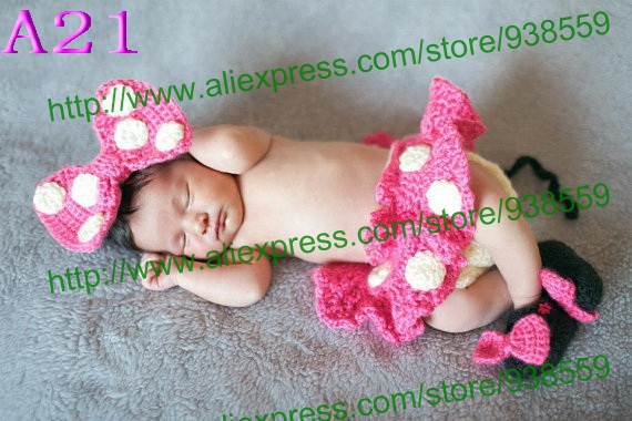 Crochet Newborn Minnie Mouse Outfit: Headband, Diaper Cover with Tutu Skirt and Shoes - in PINK Photo. Prop Free shipping