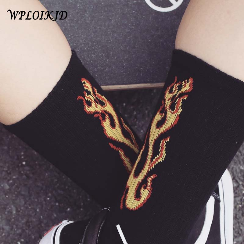 Men Skateboard Crew Socks Cotton Fire Flame Skateboard Hip Hop Europe Korea Harajuku White Black Tide Socks Couple High Sokken