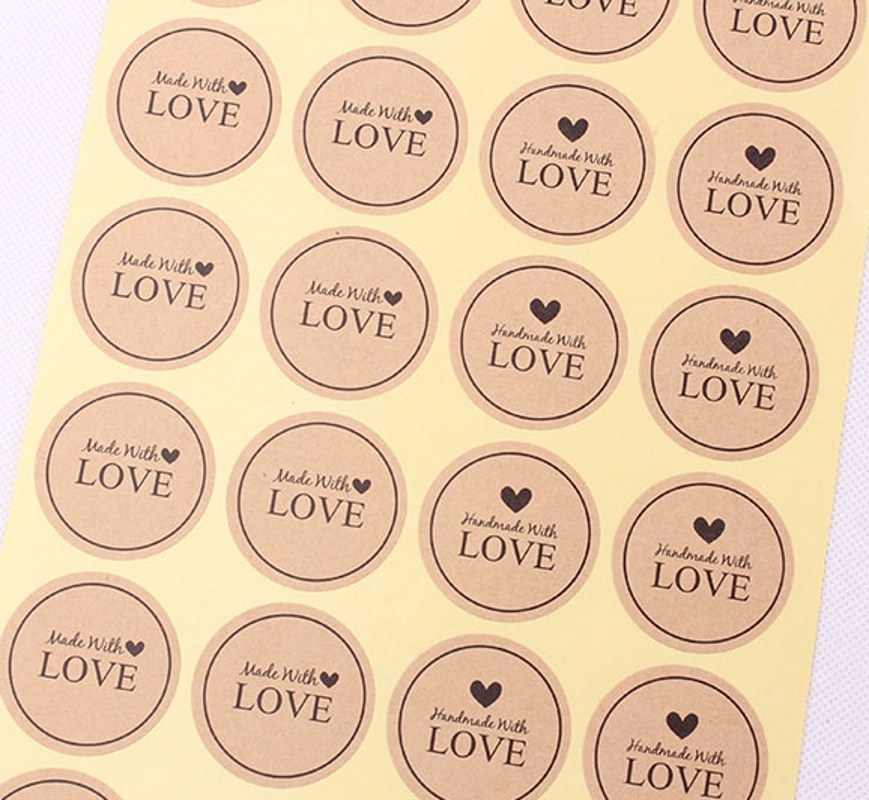 Купить с кэшбэком 120Pcs 2018 New Arrival Made With Love Heart Handmade Cake Packaging Sealing Label Kraft Sticker Baking DIY Gift Stickers M1063