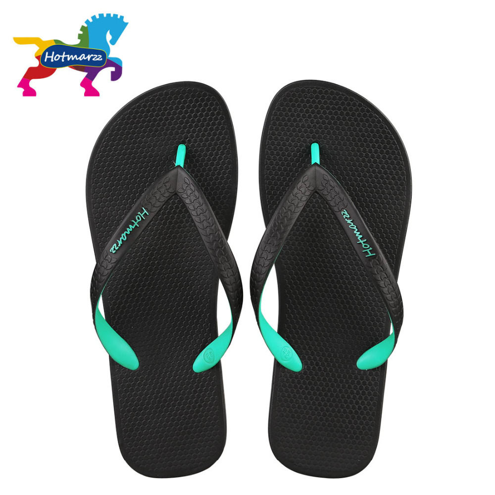 Hotmarzz Män Sandaler Kvinnor Unisex Tofflor Sommar Strand Flip Flops Designer Mode Bekväm Pool Travel Slides