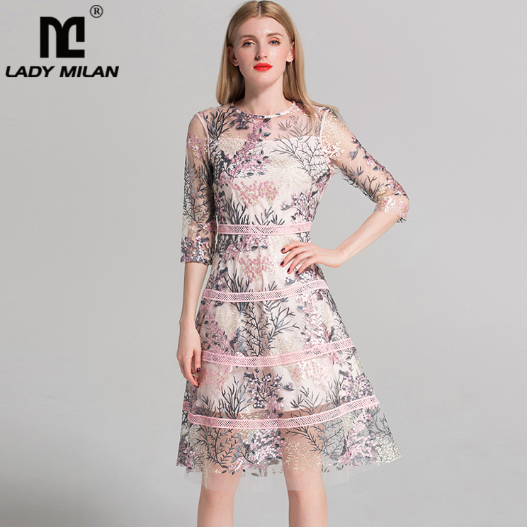 New Arrival 2018 Womens O Neck 3/4 Sleeves Embroidery Hollow Out High Street Fashion Dresses