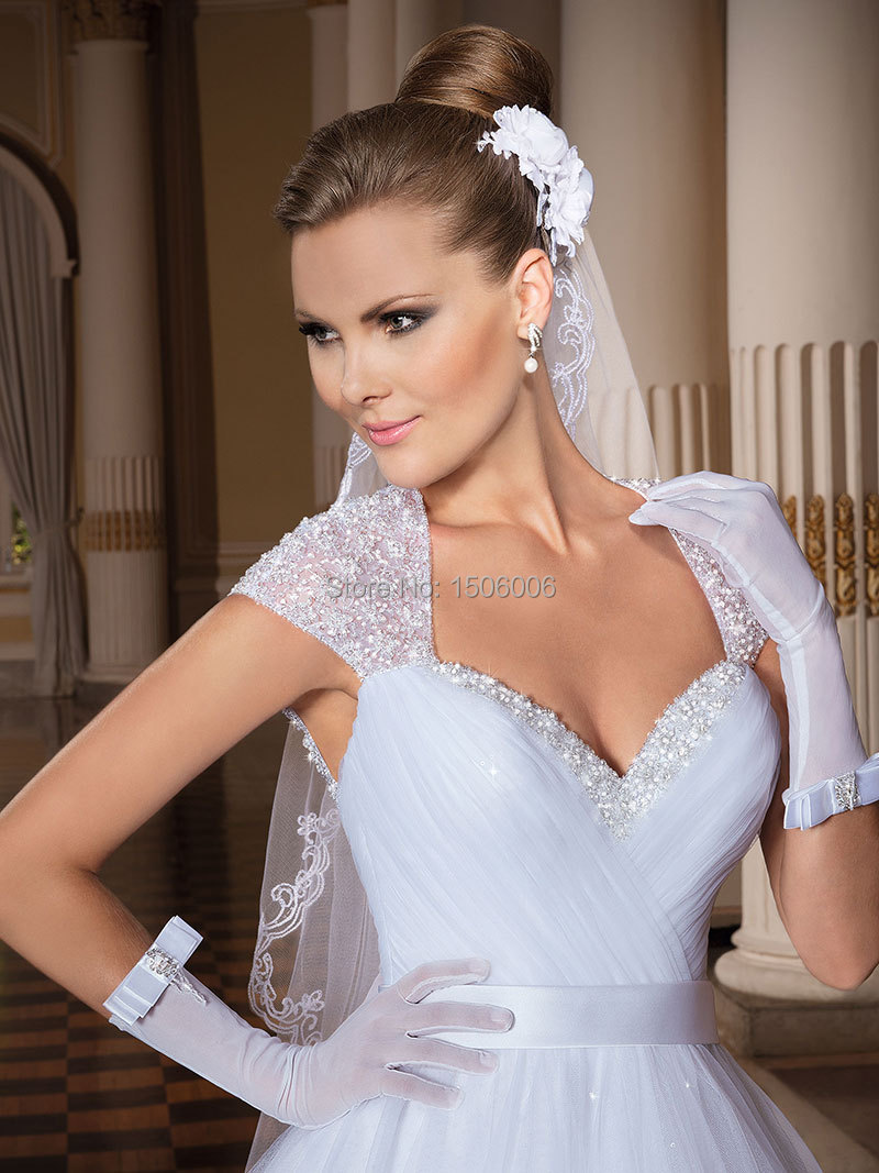 Low cut wedding dresswedding dressesdressesss low cut wedding dress ombrellifo Images