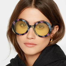 5d89f34da1 Phoemix Popular grande redondo colorido gafas de sol de marca de moda rayas  del arco iris gafas de sol hombres mujeres gafas UV4.