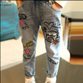 High quality 2016 New Baby girls Jeans Fashion Kids wash graffit pant loose cute baby bottoms Jeans Designed Pants