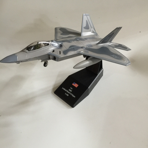 AMER 1/100 Scale Military Model Toys USA F-22 Raptor Fighter Diecast Metal Plane Model Toy For Collection/Decoration/Gift