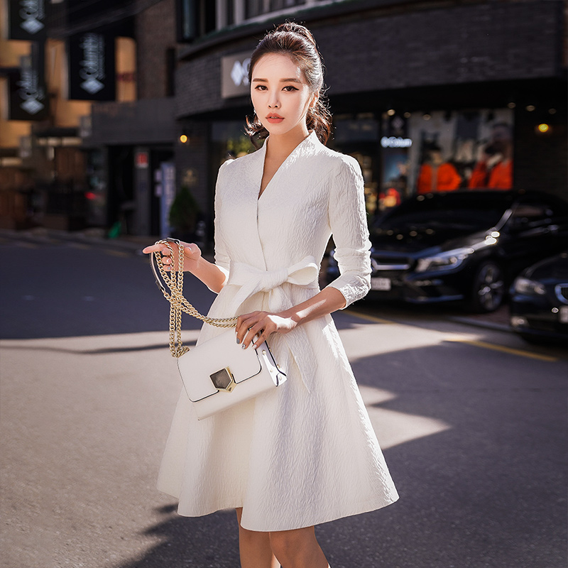 Dabuwawa Women White   Trench   Coat New V-Neck Slim-Fit Belted Elegant Windbreaker for Autumn Winter Girls Party Outwear