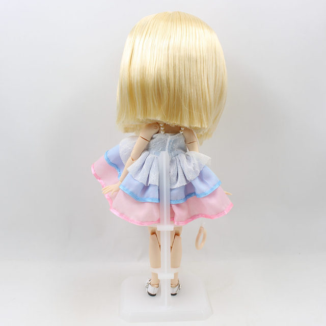 Neo Blythe Doll Stand