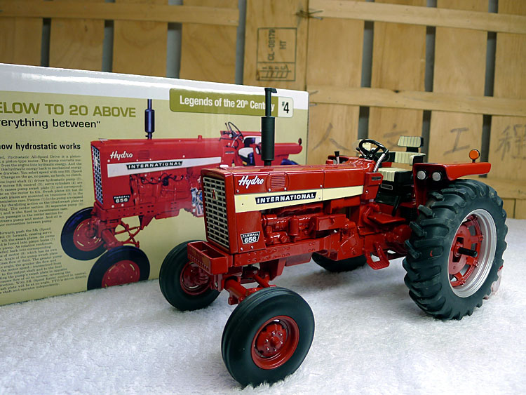 Toy Tractor Occasions 656 Case tractor Palais alloy mannequin present ERTL 1:16