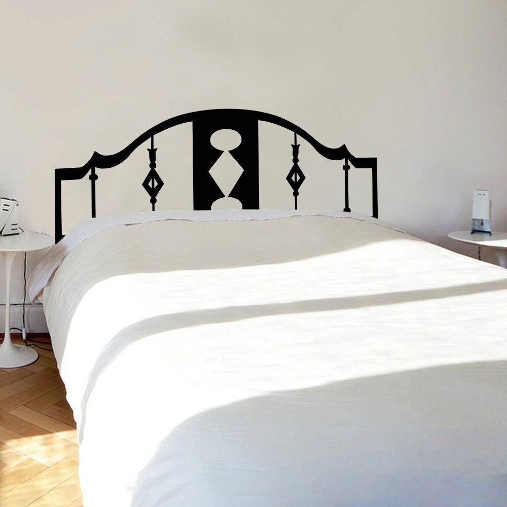 Abstracto pared cabecera geométrica decoración del dormitorio cama ...