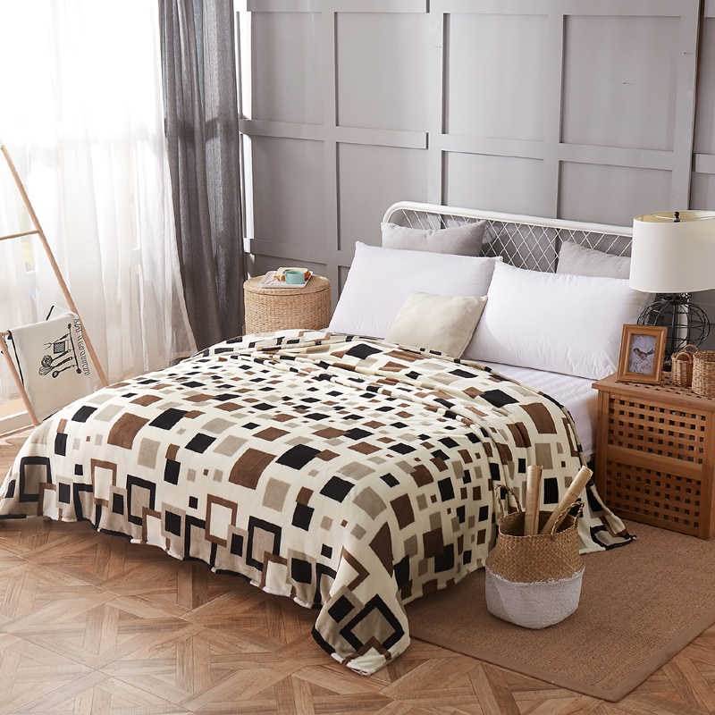 bedspread blanket 200x230cm High Density Super Soft Flannel Blanket to on for the sofa/Bed/Car Portable Plaids