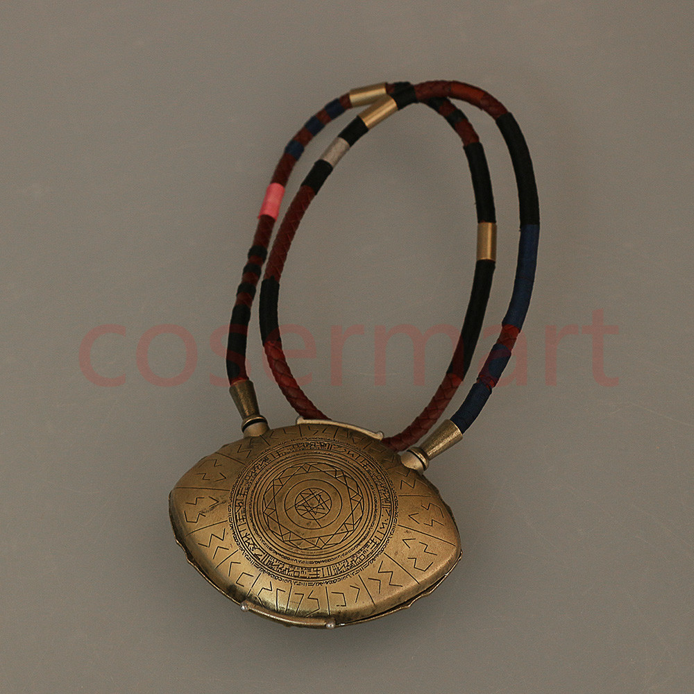 Doctor Strange Necklace Eye of Agamotto Necklace Eyes Can Open Cosplay Props New (2)