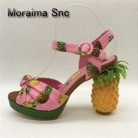 Moraima Snc/специальный дизайн; туфли на шпильках; женские летние босоножки на платформе с принтом ананаса на высоком массивном каблуке; Свадебн