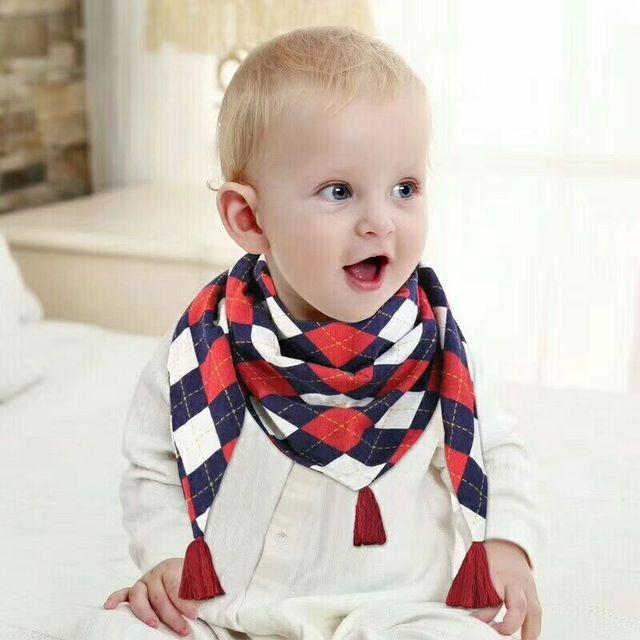 Bebé bufanda de invierno Bebé Baberos de bebé de algodón alimentación delantal triángulo lindo bebé niñas de dibujos animados de alimentación bufanda Collar babero babero