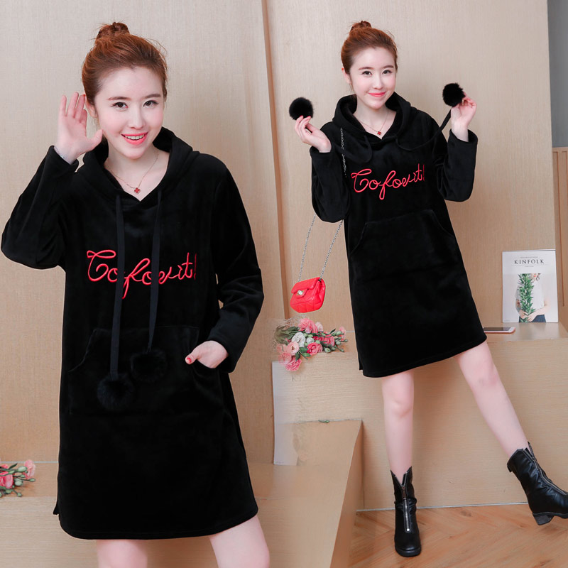 Make pregnant women in qiu dong outfit new han edition thickening and velvet coat big size embroidery pregnant women dress qiu dong korean fashion personality joker empty hat knitting wool hair hoop headband