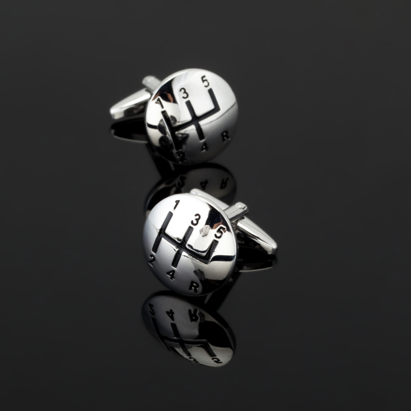 CK276High quality mens shirts Cufflinks silver car stalls Cufflinks mens clothing accessories can be used as a gift for friends
