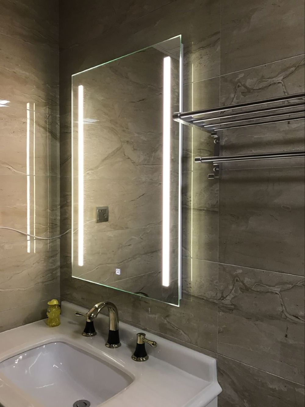 DIYHD Wall Mount Led Lighted Bathroom Mirror Vanity Defogger 2 Vertical Lights Rectangular Touch Light Mirror
