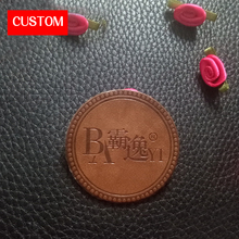 factory private customzied round PU leather embossed labels sewing on clothes handmade genuine custom tags