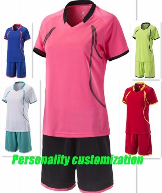 Mujeres Nuevo estilo nombre y número personalizado manga corta de fútbol  jersey dama de fútbol juegos 10c77d6b55af5
