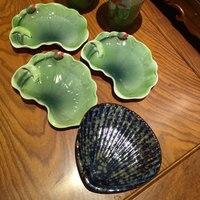Creativo foglia di loto handmade soap box bagno shell piatto blu e bianco scatola di sapone hotel speciale Gioielli in ceramica piatto di stoccaggio