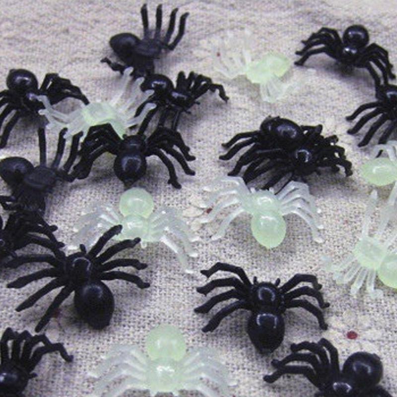2018 New Environmental/luminous Simulation Small Spider Halloween Plastic Toys