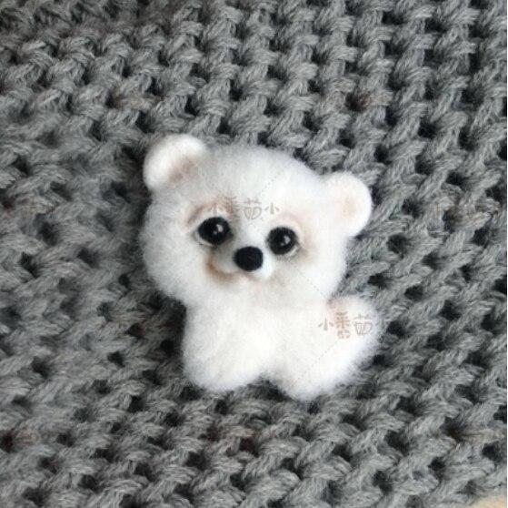 Samoye di orso Pet Dog Spilla Francese Bulldog lana mezzopunto kit feltro di lana infeltrimento ad ago della decorazione del mestiere ricamato a mano FAI DA TE