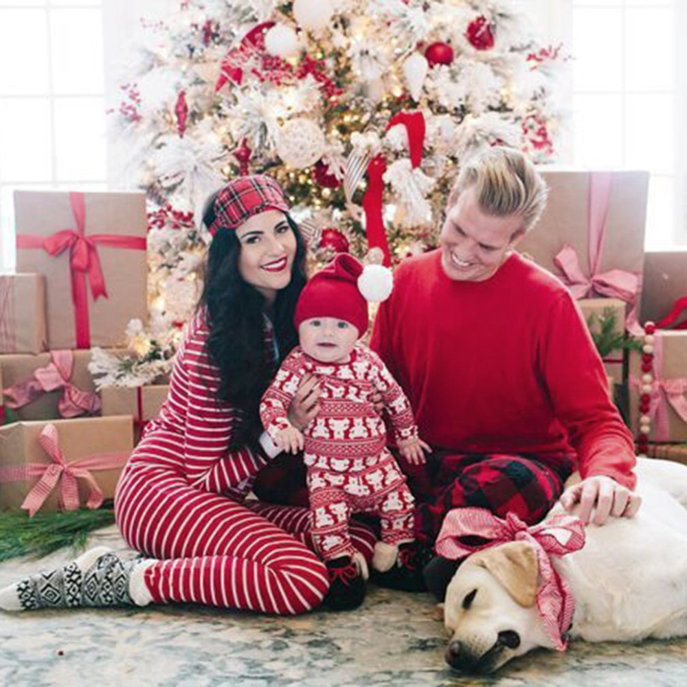 Christmas Family Pajamas Suit Parent-child Outfit Warm Autumn Winter Sleepwear Suit Mother Father Daughter Son Home Clothes 2017
