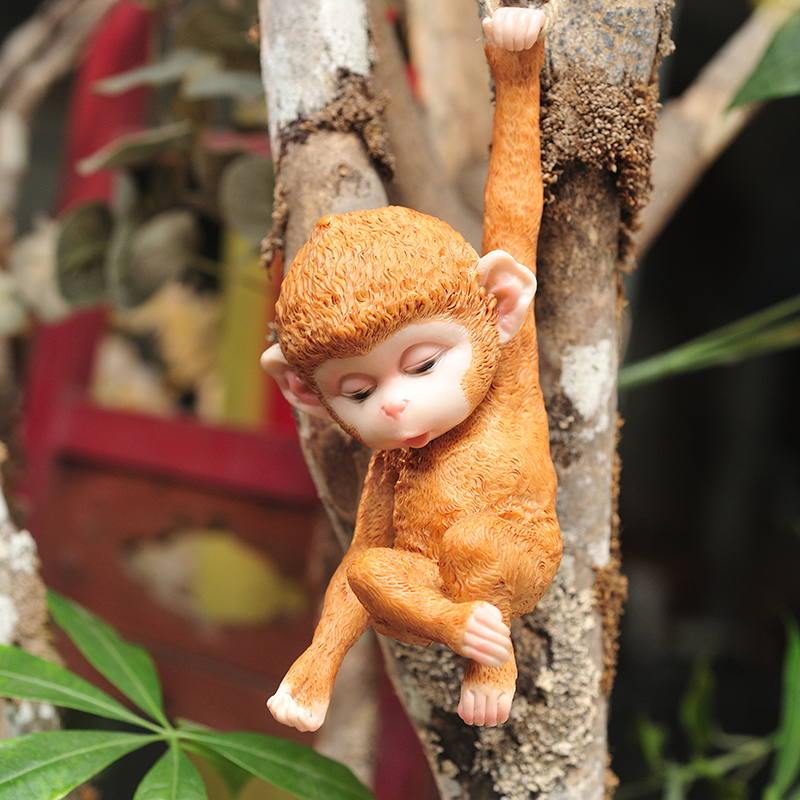 Garden Animal Sculpture Simulation Monkey Tree Resin Garden Decoration Outdoor Garden Statue Ornaments